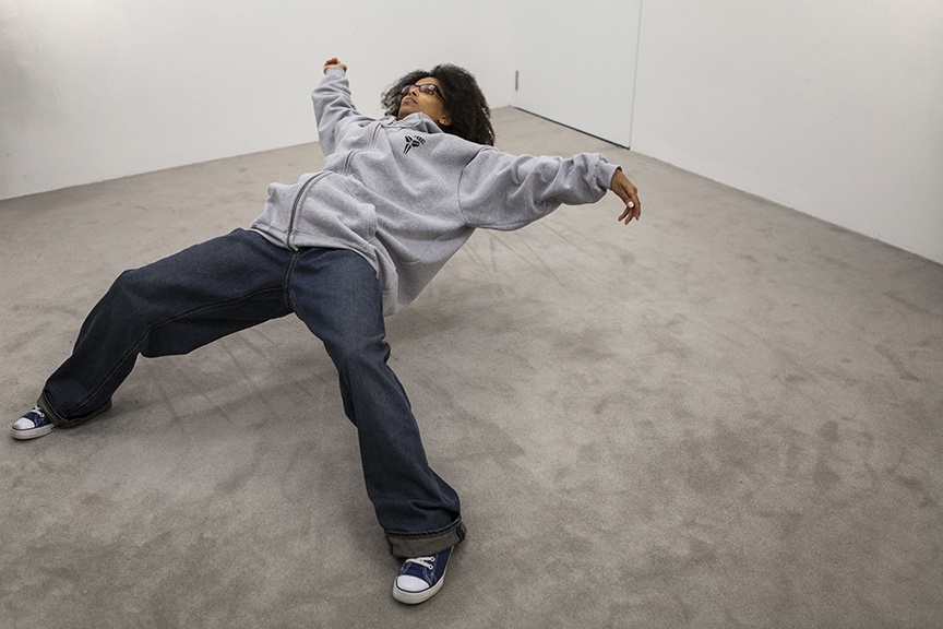 In just a blink of an eye, xu zhen, floating body, frozen moment, living sculpture, art, urban art, modern art, contemporary art, art photography, 13 Rooms, 13Rooms, Kaldor Art Project, Pier 2/3, exhibition, sydney, australia